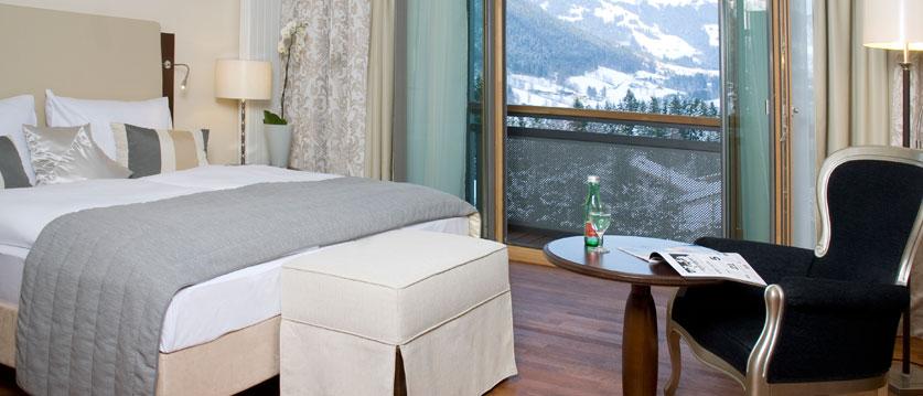 Austria_Kitzbuhel_Hotel-schloss-lebenberg_lebenberg-bedroom.jpg